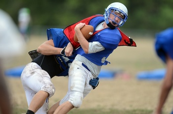 lincoln-football-hitting-day-1.jpg