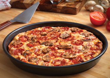dominos_pan_pizza.jpg