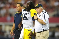 denard-injured-alabama.jpg