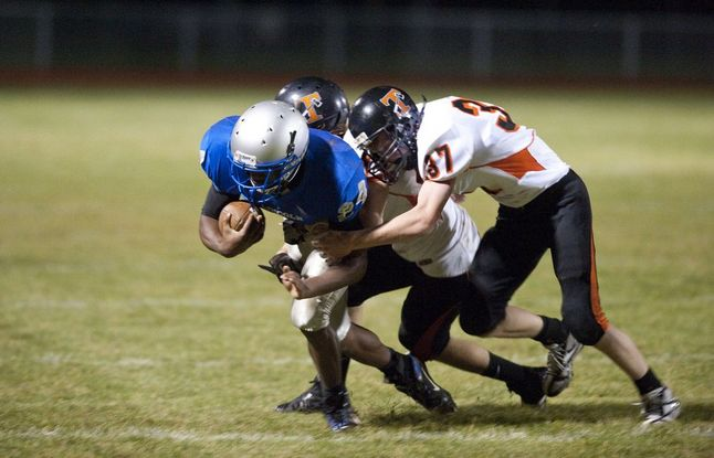 lincoln-tecumseh-football-tackle.jpg