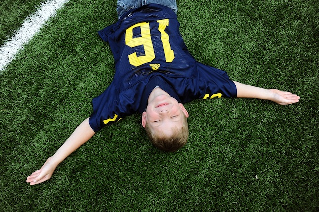 michigan_football_fan_field_kid.jpg