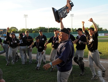 pioneer-baseball-2012-champs.jpg