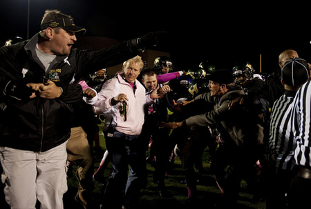 Thumbnail image for 10122012_SPT_HSFootball_HuronPioneer_DJB_1104b.jpg