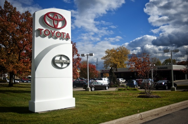 10202012_BIZ_ToyotaDunning.jpg