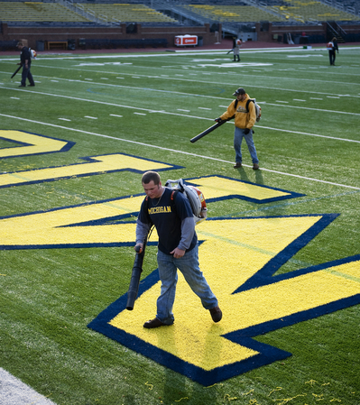 10212012_ENT_MichiganStadiumCleanUp_DJB_0507.JPG