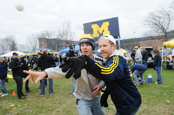 111911_Umich_tailgate_golf_course.JPG