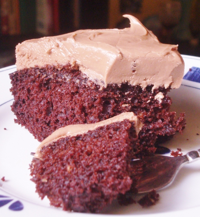 chocolatecakewithnutellabuttercreamfrosting.JPG