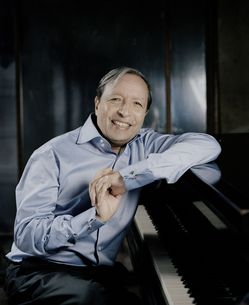 Murray-Perahia-by-Felix-Broede.jpg