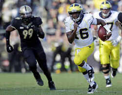 denard-purdue-run.jpg