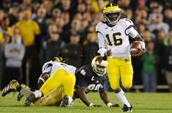denard-run-umfb-nd.jpg