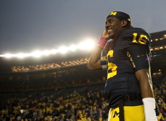 denard-smile-stadium0um-football.JPG