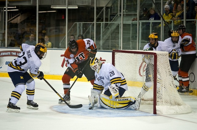 jared-rutledge-michigan-hockey-RIT.JPG
