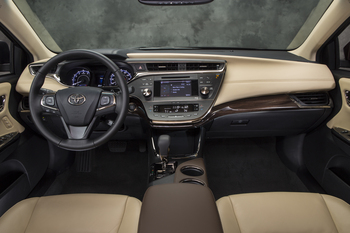 2013_Toyota_Avalon_XLE_12.jpg