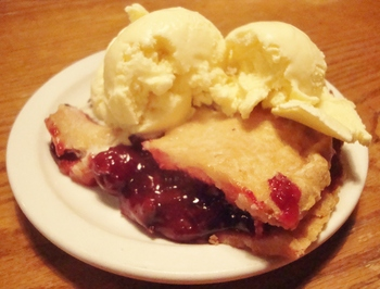 oldtowntaverncherrypie.JPG