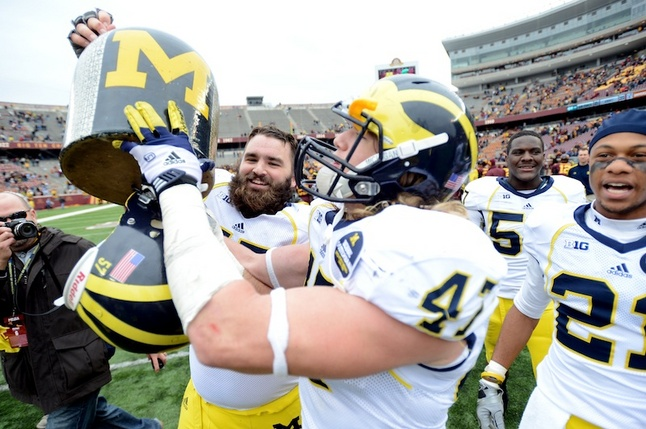 Michigan-minnesota-jug-beard.jpg
