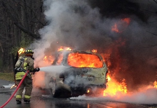 Minivan_fire.jpg