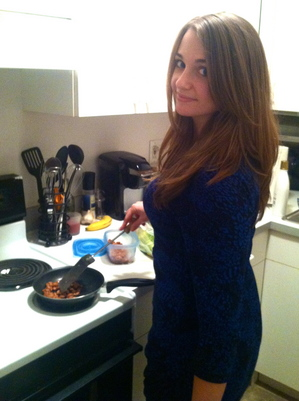 lizzy_cooking.jpg
