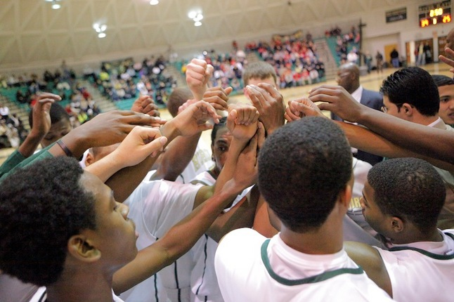 huron-boys-basketball-2011.JPG