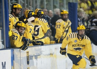 michigan-hockey-notre-dame-2012.JPG