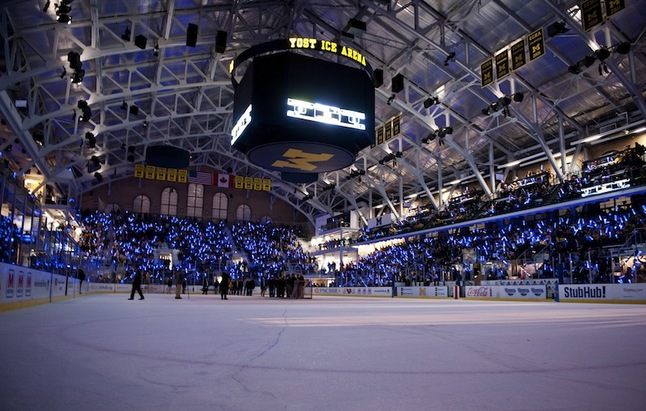 michigan-hockey-rededication-notre-dame.JPG