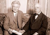 1215 Robert LaFollette and Samuel Gompers.jpg