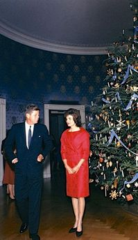 1961 Blue Room Christmas tree John and Jacqueline Kennedy CREDIT Robert Knudsen White House Collection.jpg