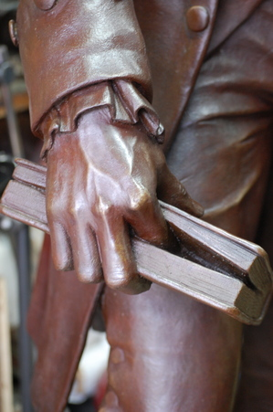 Thomas Jefferson hand by Anthony Frudakis.JPG