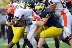 jake-ryan-illinois-tackle.jpg