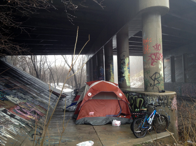 012913_HOMELESS-CAMP.JPG