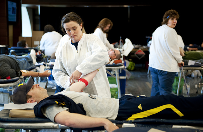 11042012_ENT_BloodDrive_DJB_0146.jpg