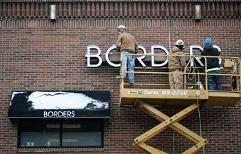 borders_sign_removed_downtown.jpg