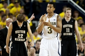 trey-burke-clap-wmu-thumb-646x423-128994-thumb-300x196-128995.jpg