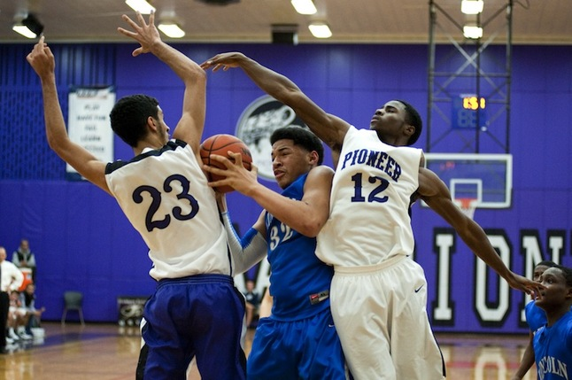 tyler-mabry-lincoln-boys-basketball.JPG