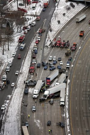 013113_freeway_crash_I75.jpg