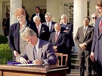 0206 Bill Clinton signs the Family and Medical Leave Act in 1993.jpg