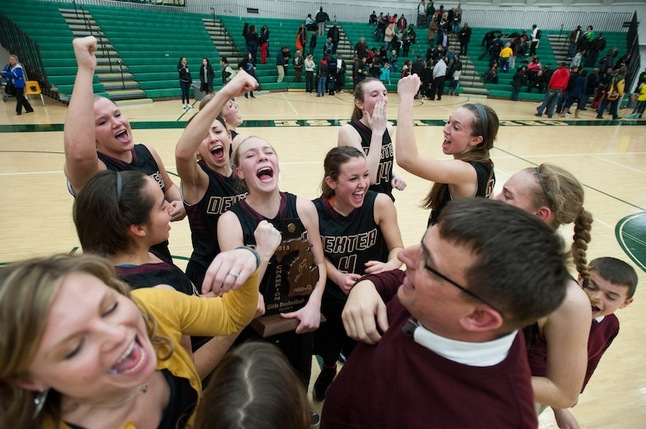 dexter-girls-basketball-celebration-030113.JPG
