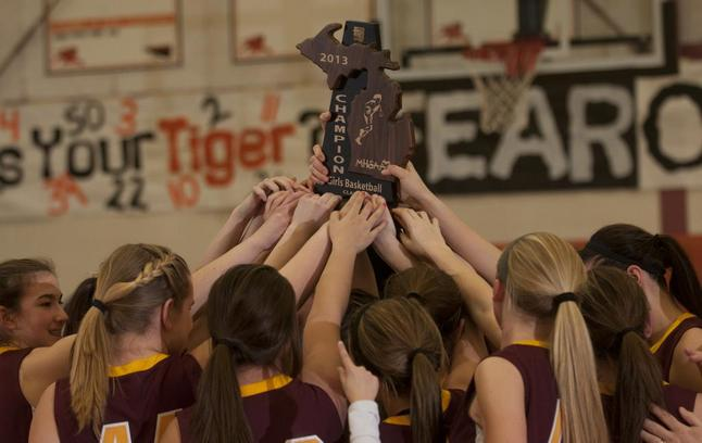 manchester-girls-basketball-regional-title-030713.jpeg