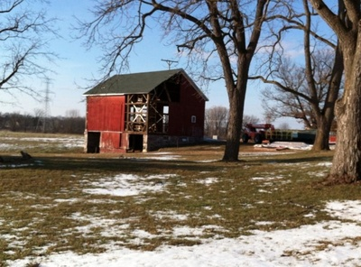 cornman_farms_whole_barn.jpg
