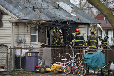 042313_ypsi_twp_house_fire2.jpg