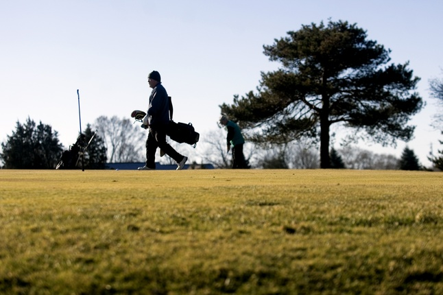 winter-golfing-michigan.jpg