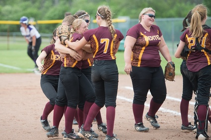 dexter-championship-district-softball.jpg