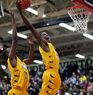 jaylen-johnson-ypsilanti-basketball-03192013.JPG