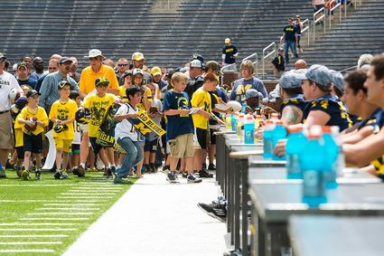 autograph-line-michigan-football.JPG