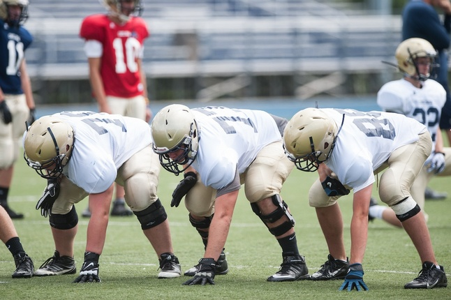 high-school-football-offensive-line-generic.jpg