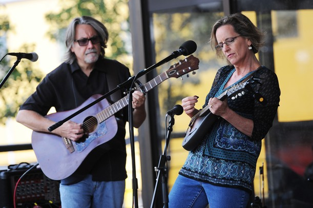 Lisa Pappas and Michael Weiss perform during the AnnArbor.com Summer 2012 Concert Series on Friday. Melanie Maxwell I AnnArbor.com