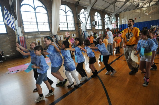 Nearly 1 000 Elementary Students Gather In Ann Arbor To Meet Their U M Pen Pals