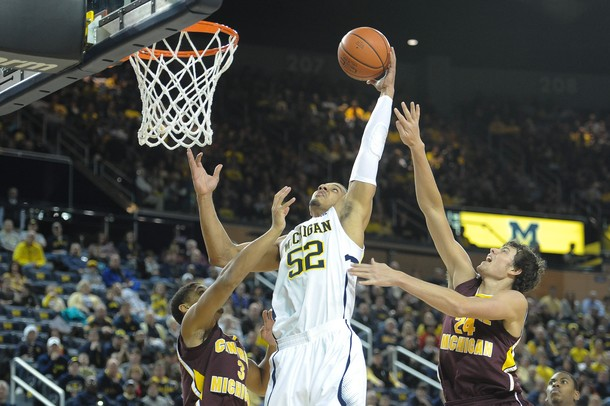 Images from No. 2 Michigan's 88-73 win over Central Michigan
