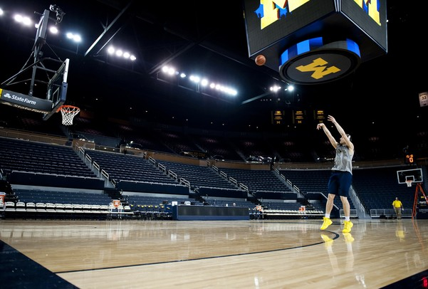 Michigan freshman Nik Stauskas warms up before the game against Ohio State on Tuesday, Feb. 5. Daniel Brenner I AnnArbor.com
