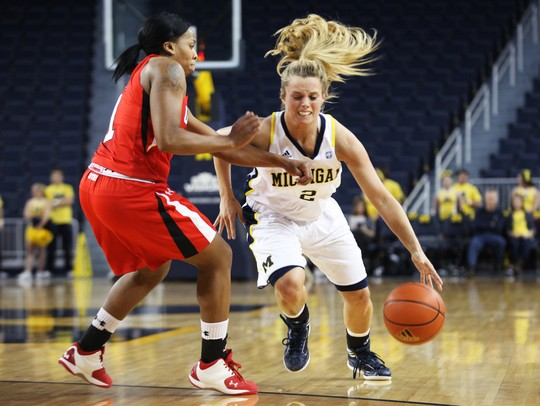 Kate Thompson scores 17 points in Michigan's 55-50 women's ...