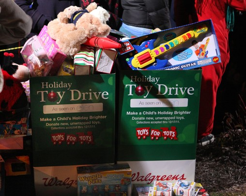 Display Toys For Tots : Ann arbor goes wild for the ellen degeneres show at